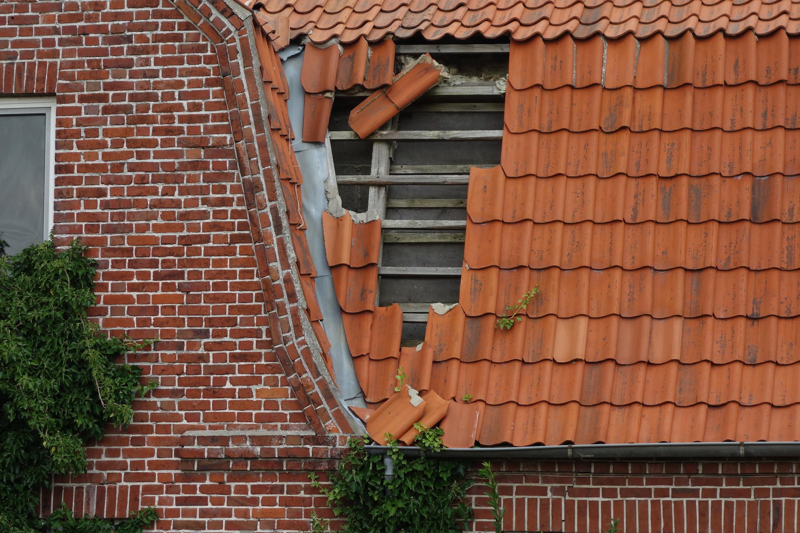 MT Lebanon tile roof repair service